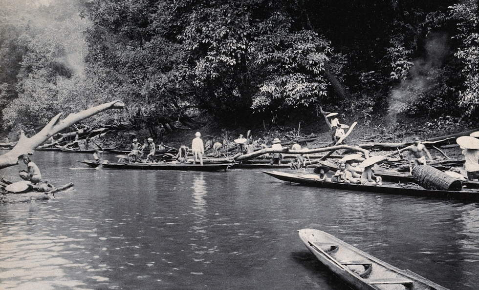 Sarawak: a native Malaysian tribe fishing on the Baram River Credit: Wellcome Library, London. Wellcome Images images@wellcome.ac.uk http://wellcomeimages.org Sarawak: a native Malaysian tribe fishing on the Baram River